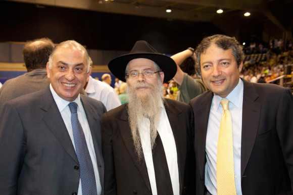 Abramo Douek, Rabino David Weitman e Moisés Nigri no show de Yaacov Shwekey